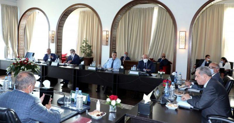 الأحزاب الممثلة في البرلمان تجتمع مع لجنة النموذج التنموي لوضع تصور مشترك حول الميثاق الوطني للتنمية