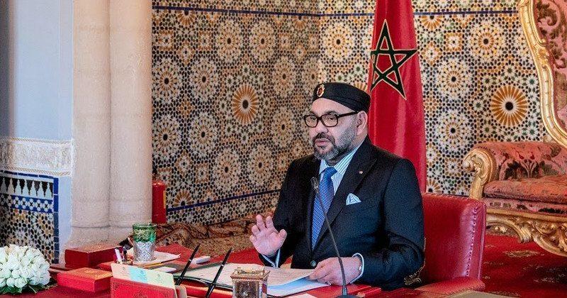 جلالة الملك يعطي تعليماته لمؤسسة محمد الخامس لتسهيل المساطر الإدارية والجمركية والصحية لضمان عبور الجالية المغربية بسلاسة